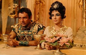 Richard Burton and Elizabeth Taylor in a scene from the film 'Cl