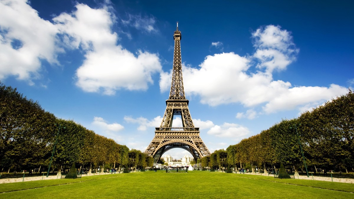 eiffel-tower-the-symbol-of-paris-hd-1080p-wallpapers-download
