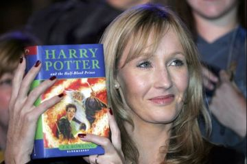 jk_rowling_harry_potter_opt