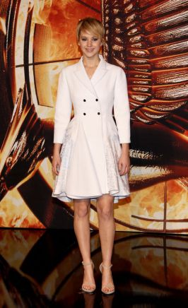 jennifer-lawrence-christian-dior-coat-dress-hunger-games-h724