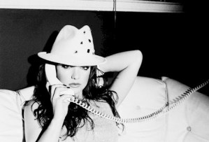 listen-britney-spears-telephone-demo