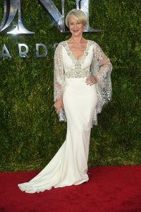 helen-mirren-tonys-red-carpet