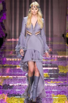 Lara Stone para Atelier Versace