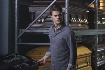 The-Vampire-Diaries-Live-Through-This-7x05-promotional-picture-the-vampire-diaries-38973972-3000-2004