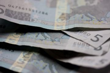 euros, dinheiro
