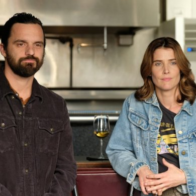 Jake Johnson e Cobie Smulders em Stumptown