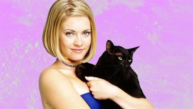 Sabrina, a Bruxinha Adolescente e Salem, gato preto