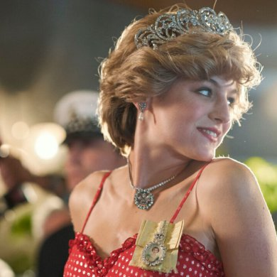 Emma Corrin como Princesa Diana em The Crown