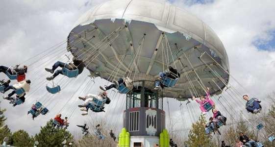 sillas voladoras parque warner