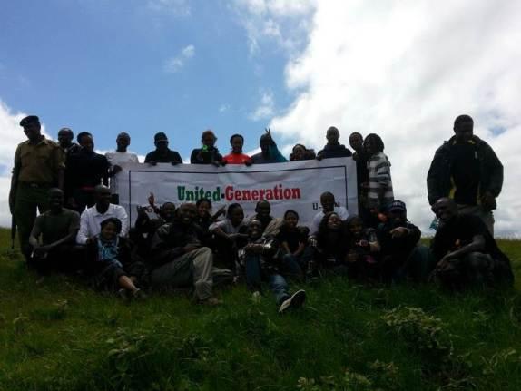 En un reciente taller de capacitación de 2 días, líderes de GPYC lideraron una caminata de desafío por los cerros de Ngog.