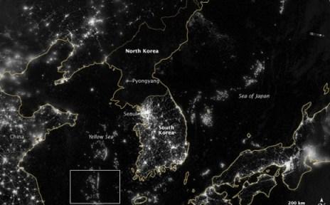 Mapa del mundo durante la noche.