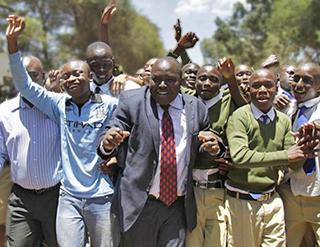 Las escuelas que están implementando la Iniciativa de Educación de Fundación Paz Global tienen las mejores posiciones en los Resultados de los Exámenes Nacionales de Kenia