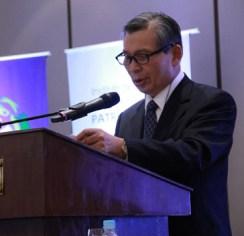"""Woo Hyun Cho durante su discurso en el Simposio Internacional: """"Hacia una Alianza entre Paraguay y Corea."""""""