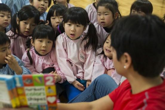 MCAS_Iwakuni_service_members_visit_preschool_teach_children