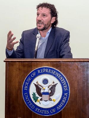 Ali Awwad, Activista Palestino