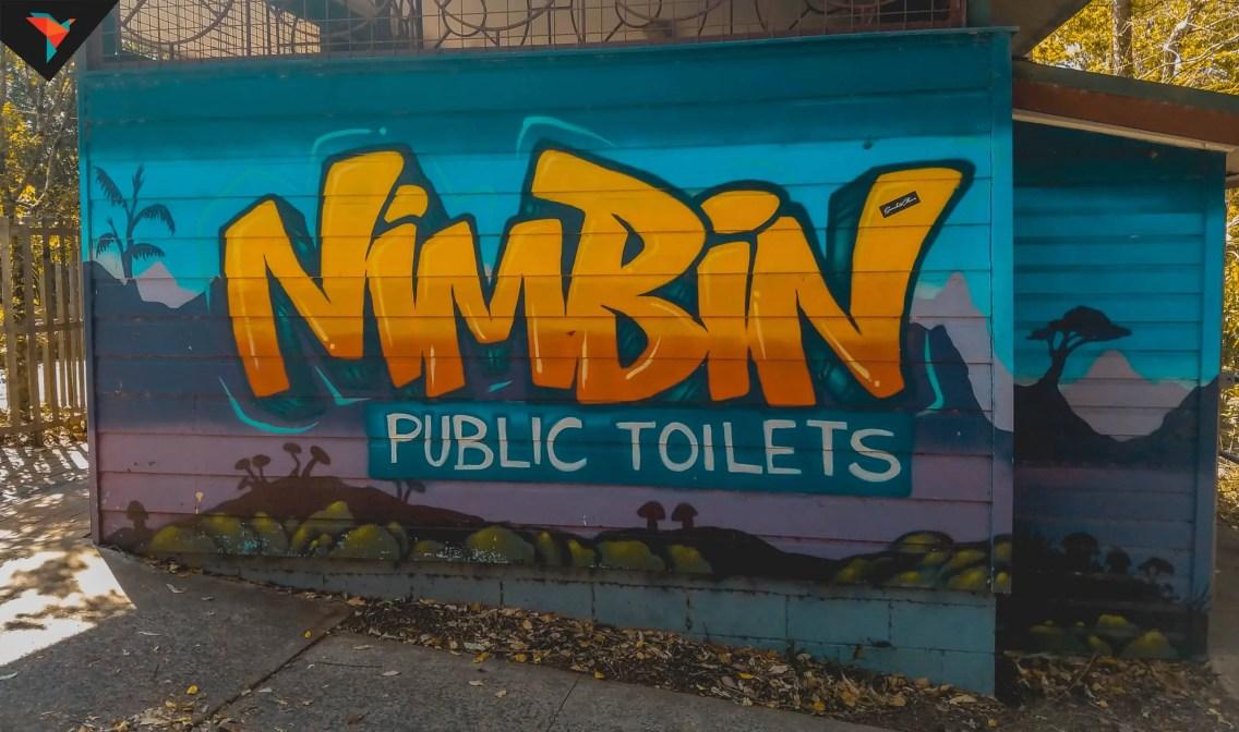 Mural en los baños públicos