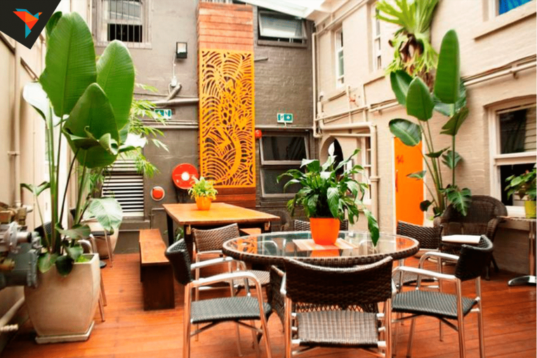 Backpackers HQ Hostel