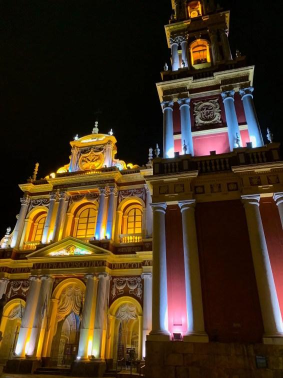 La Iglesia San Francisco de noche