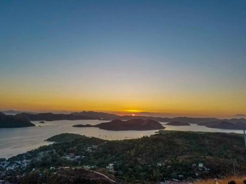 El hermoso atardecer desde el Mount Tapyas