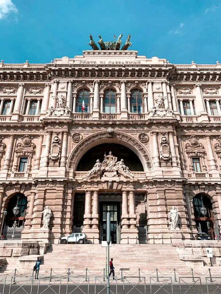 Palazzo di Giustizia.