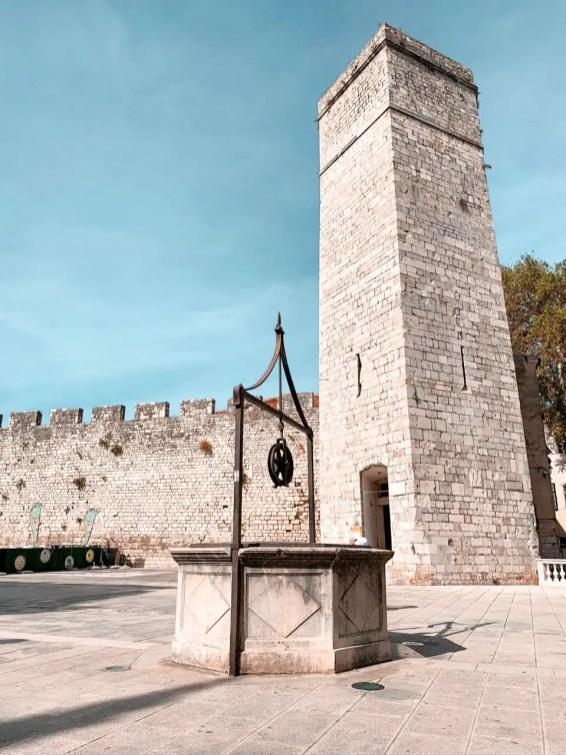 Plaza de los 5 pozos en Zadar