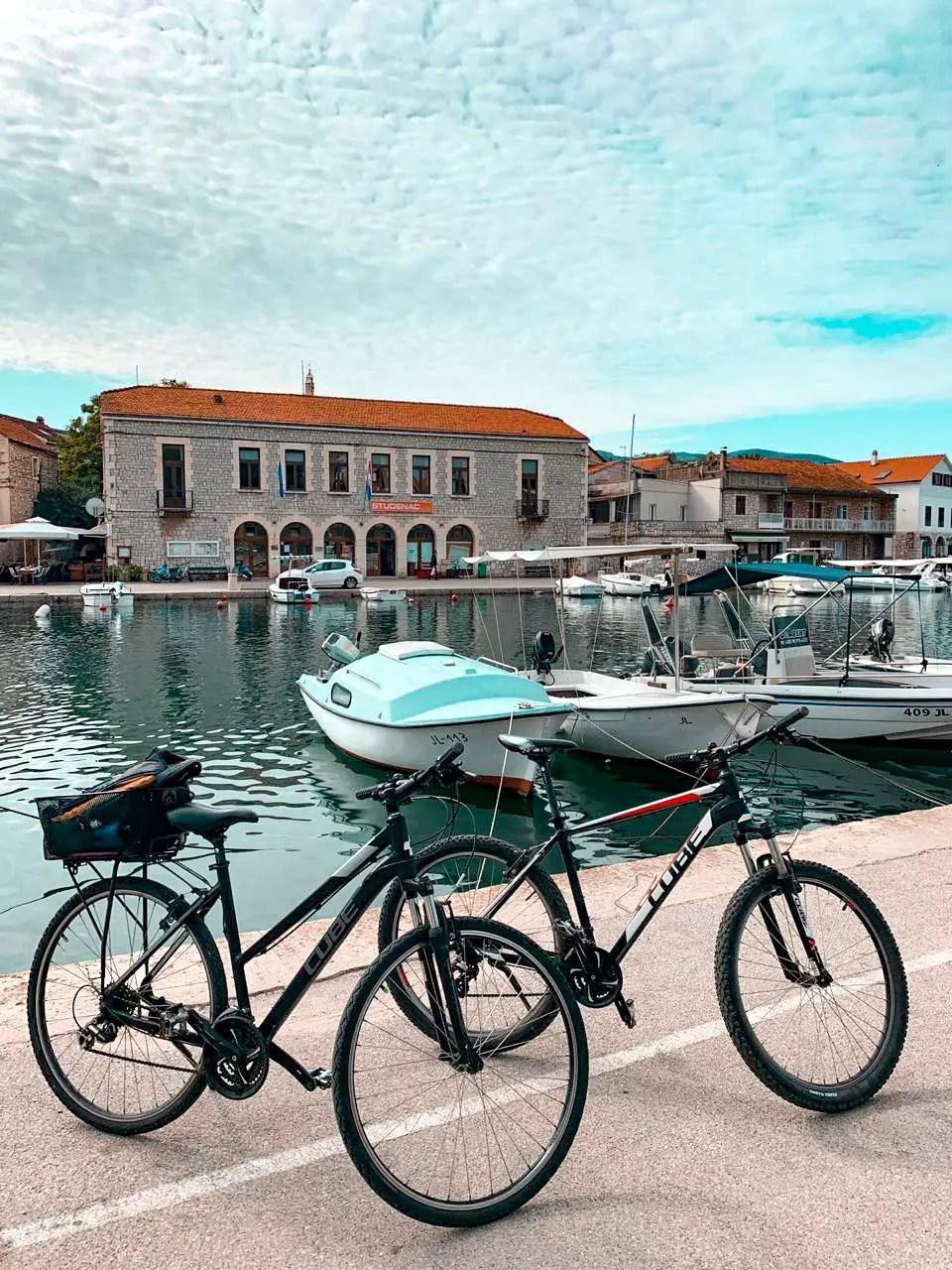 Bicicletas en Hvar