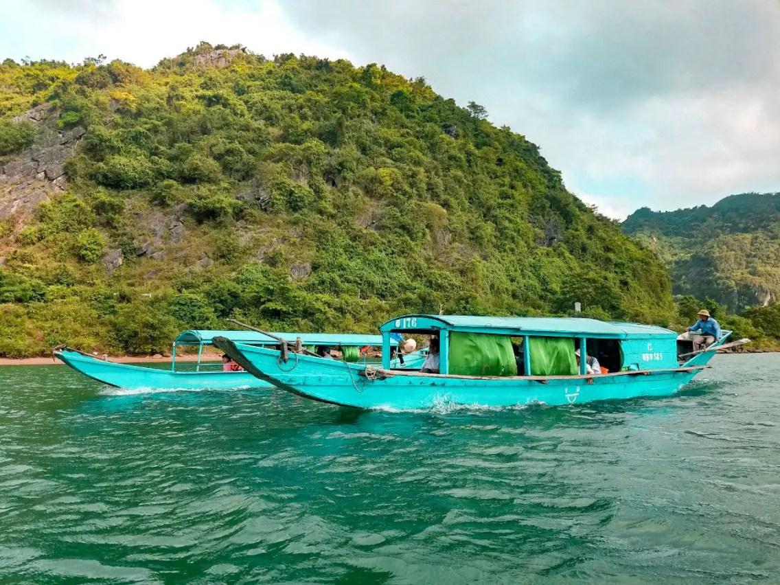 Barquito camino a la Cueva de Phong Nha