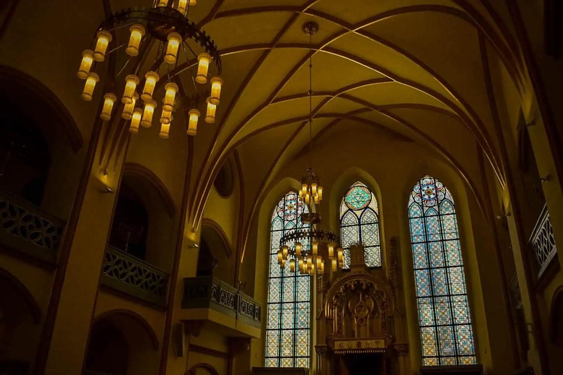 Sinagoga vieja nueva, una de las curiosidades de Praga