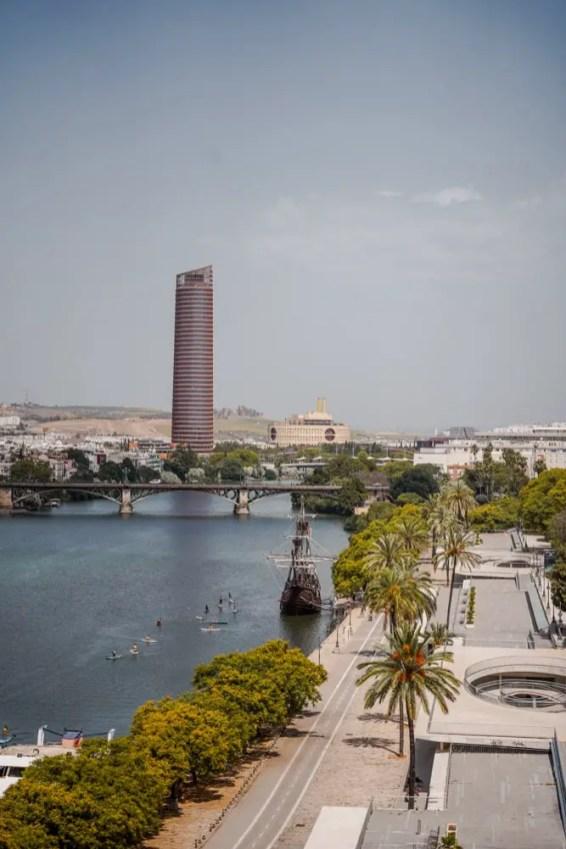 vista desde la torre de oro en sevilla españa