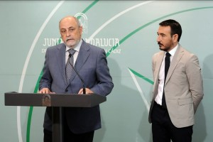Bonilla y López Gil durante la explicación de las inversiones.