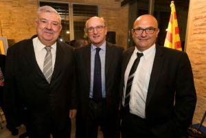 De izquierda a derecha, el Presidente de la Federación de Cofradías de Pesca de Tarragona, Eusebio Rosales, el Presidente de Repsol, Antonio Brufau, y el Presidente de la Federación Catalana de Cofradías de Pescadores, Eusebi Esgleas Parés.
