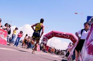 Competicion de triatlon, celebrada el El Toyo