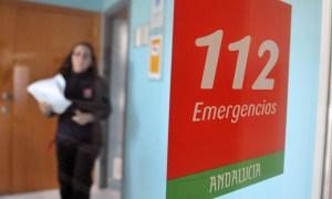 Pabellón de italia (sede 112 emergencias) cartuja. foto creativa al cartel de entrada 112 (es para ilustrar un reportaje sobre el 112).