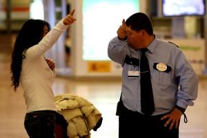 08/11/2006. Málaga. Vigilantes de seguridad del Aeropuerto de la ciud