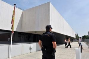 Comisaría de Policía Nacional Sevilla Este.  Foto de recurso de la comisaría, está en la confluencia de Emilio Lemos y Médicos del Mundo.