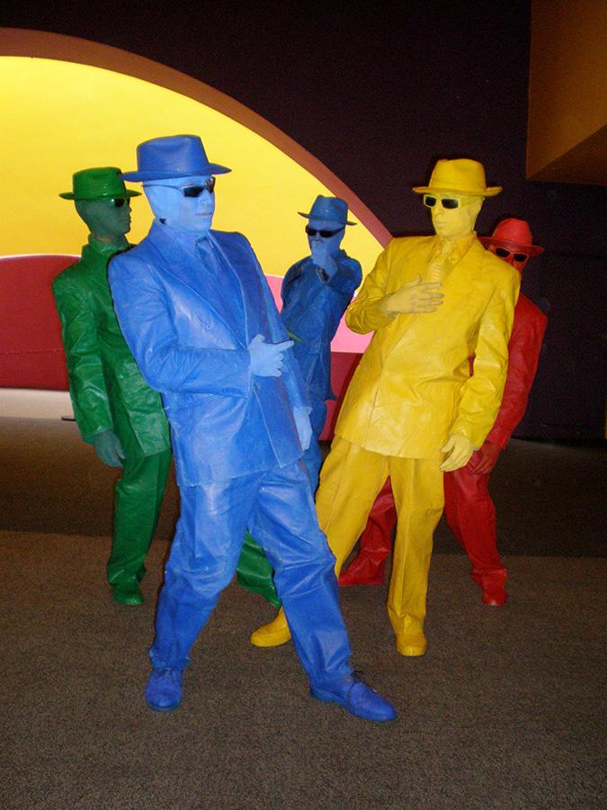 personajes monocromáticos, personajes monocromáticos méxico, personajes un color