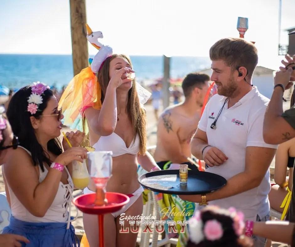 brindis despedida de soltera en Mykonos Punta Umbría
