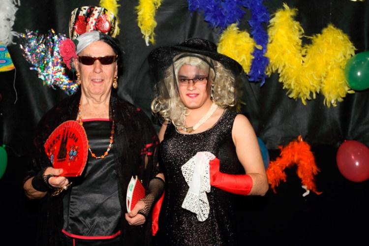 El Centro Cultural la Esperanza se disfraza para celebrar el Carnaval