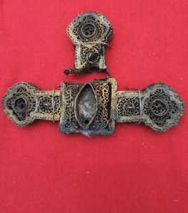 Lee más sobre el artículo Una Cruz profanada como símbolo de los Cristianos Perseguidos en la exposición «75 Años de Esperanza»