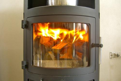 accensione corretta legna stufa letto caldo