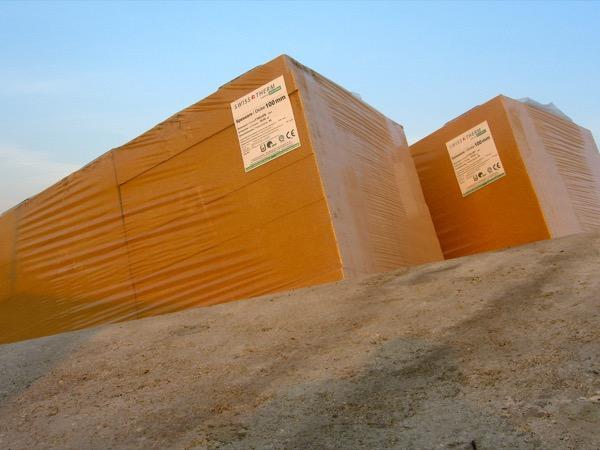 fibra-cosa-serve-subito-iniziare-isolamento-di-un-tetto-latero-cemento-fibra-legno-08