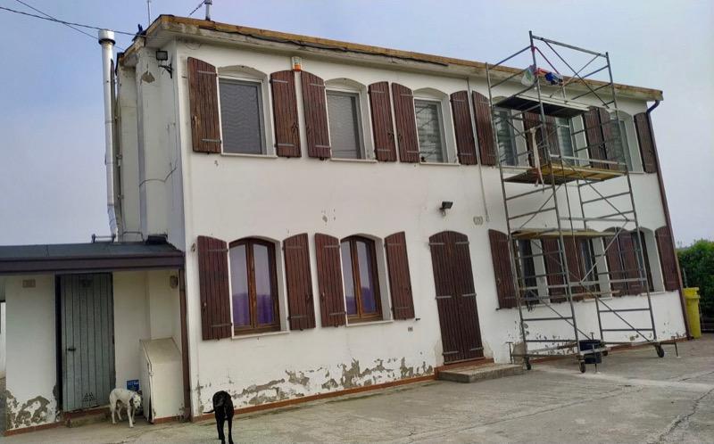 isolamento esterno a cappotto - Isolamento e risanamento essenziale di una casa in bimattoni in zona climatica E 30