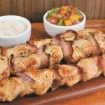 Como fazer espetinho de frango