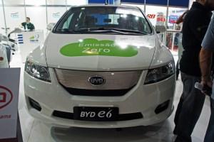 Carros eléctricos en Colombia: BYD E6
