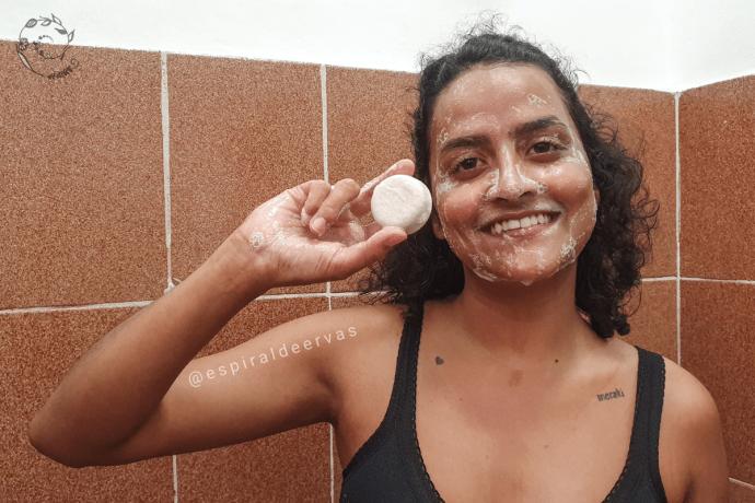 Sabonete sólido facial com surfactantes