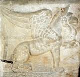 grifone-sarcofago-duomo-cosenza