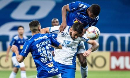 Cruzeiro sofre quatro gols de cabeça em dois jogos