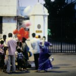 Famille dans al rue en Inde