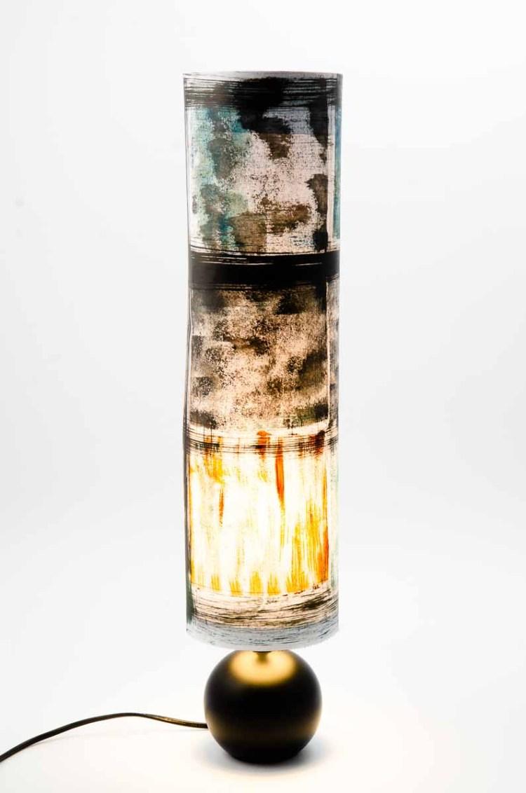 « lampe le feu et l'eau » pièce unique pied rond en céramique noire
