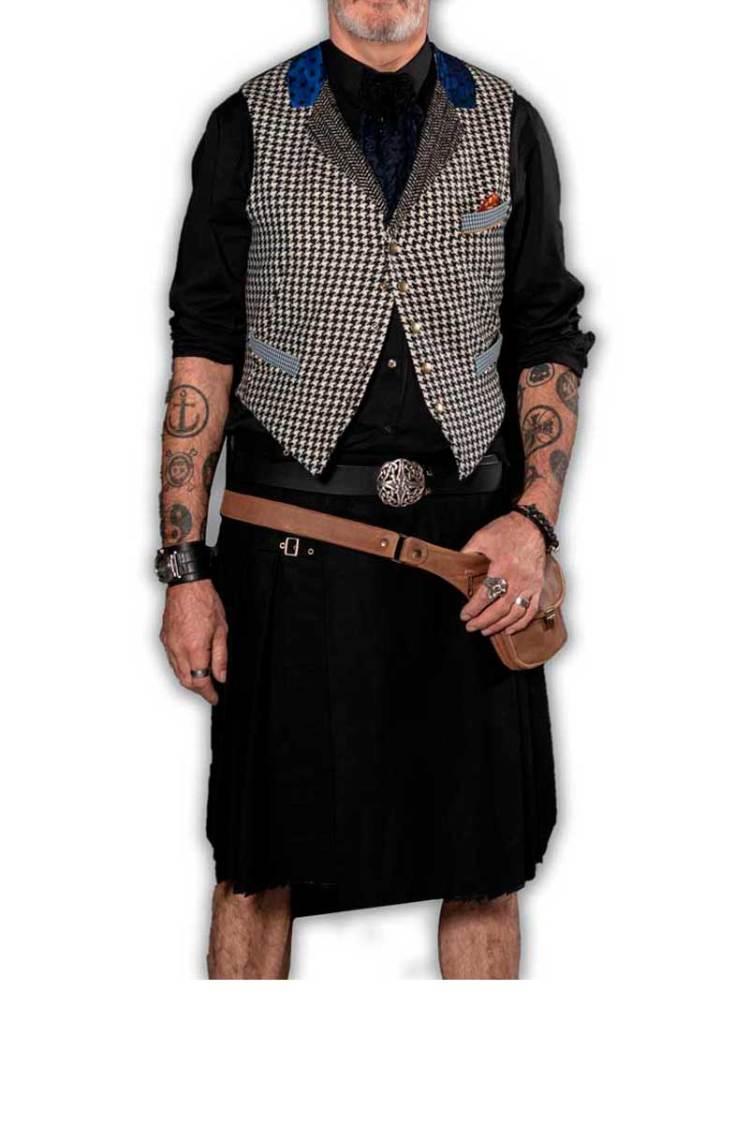 Kilt et Gilet homme en tissus Pied-de-poule laine et soie porté